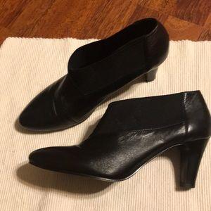 Bandolino black Heeled Booties Size 8